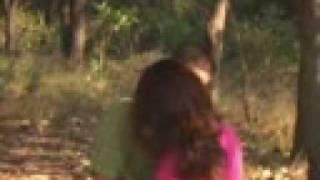 video y letra de Perdiendome en tu piel por Banda Astilleros