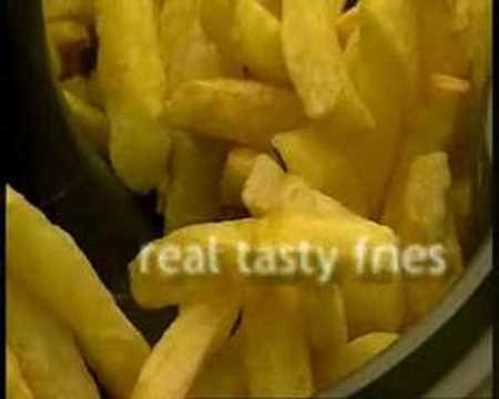 Fríe un kilo de patatas con una cucharadita de aceite