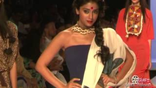 Shriya Saran Tight Shaking BUMPS #LFW2013