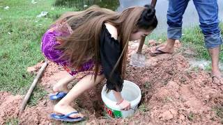 Hello my subscriber to day i want to show you about Creative Deep Hole Fishing Trap To Catch a Huge fish In Lake By A Man and a Girl , Deep Hole Fishing Plea...