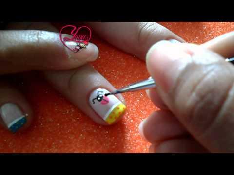 #11 Decorado de uñas con una Mariquita