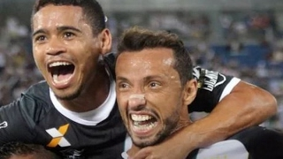 Curtam nossa página: http://www.facebook.com/LeandroSportsVideos Nenê faz dois, Vasco bate o Santos-AP e vai à segunda fase da Copa do Brasil Com as estreias...
