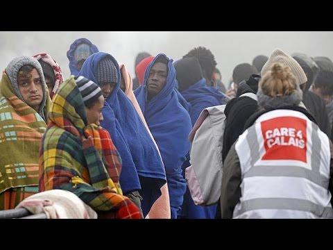 Γαλλία: Παραμένουν μετανάστες στη «Ζούγκλα» του Καλαί – world