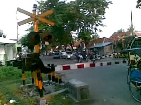 Kereta api di Serang-Banten 01
