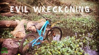 A look at my Evil Wreckoning Bike build, I will be doing a follow up review once I've had some more time on the bike.Any questions please feel free to leave a comment, thanks for watching.https://www.evil-bikes.com/products/wreckoning