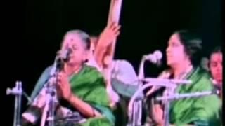 Sathya Sai Baba Video - MS Subbalaskshmi Sings Meera Bhajan For Swami