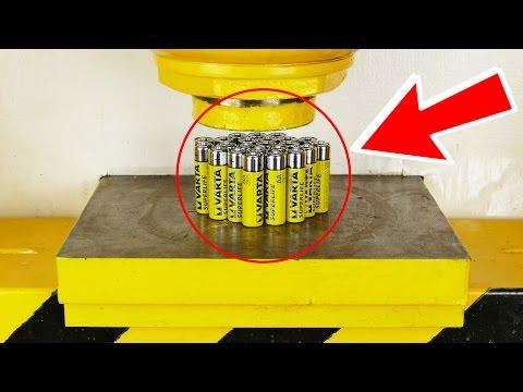 這男子大膽實驗讓液壓機碾壓各種電池,最後超後悔直呼「真的不應該這樣做的」!