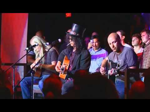 Slash,Tom Morello & Jerry Cantrell - Wish You Were Here lyrics