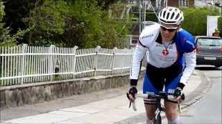 Film fra det sidste stykke af 200 km-ruten i Grejsdalsløbet 12. maj 2013. I det sidste klip ses de to ryttere, der kom først til toppen af...