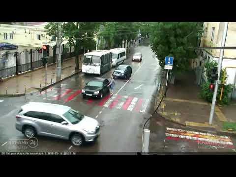 Авария в Краснодаре на улице Октябрьской