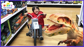 TOYS HUNT at Toys R Us Ryan ToysReview! Giant Life Size Dinosaur kids toy store! Family Fun Trip