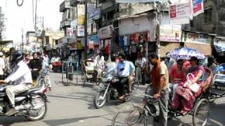Bareilly India  city photos gallery : Kutub khana traffic in Bareilly, INDIA