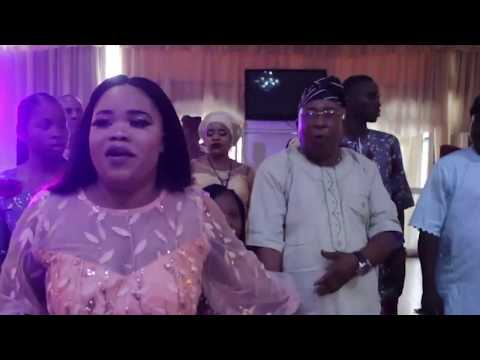 PASUMA PERFORMANCE FOR KOLLINGTON AYINLA DAUGHTER MOVIE PREMIER AND SHOW IS NEW MICROPHONE