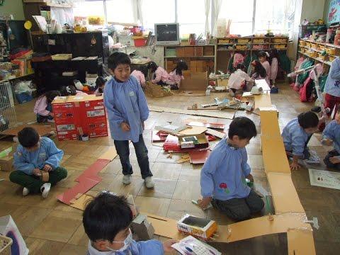 131128福島県会津若松市・若松第一幼稚園「製作あそびをする子ども達」