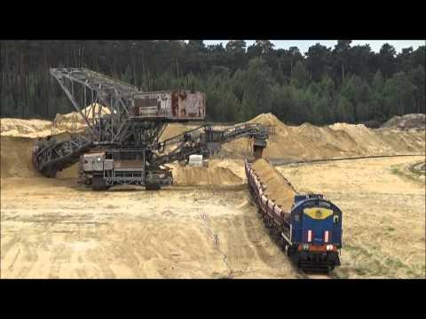 zaladunek-skladu-kolejowego-piaskiem