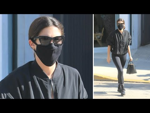 Sara Sampaio Is Ultra Chic In All-Black For WeHo Workout