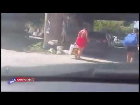 Cetraro, il lancio della spazzatura