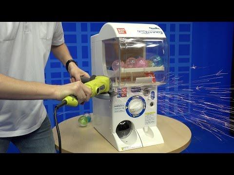 首次有人直接把扭蛋機器直接割開看到裡面的機關,一打開後就看到日本人的天才!