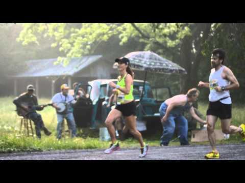 You Gotta See This: Hillbilly Hecklers at Franklin Half Marathon
