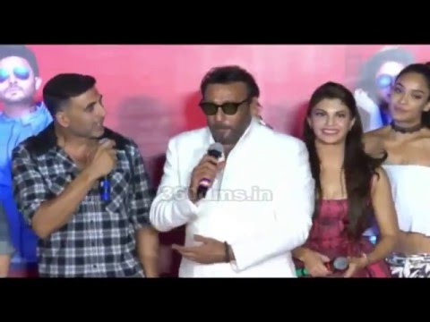 Video Akshay Kumar Makes Fun Of Tiger Shroff In Front Of Father Jackie Shroff | Housefull 3 Trailer Launch download in MP3, 3GP, MP4, WEBM, AVI, FLV January 2017