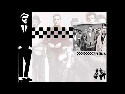 Tekst piosenki The Specials - Simmer Down po polsku
