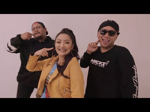 gratis download video - eng sub - RPH & DJ Donall - Still Handsome (Feat. Siti Badriah) #LagiSyantik