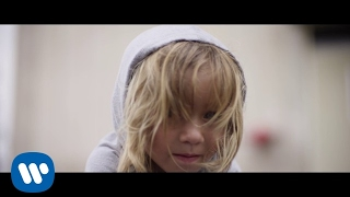 Halestorm - Dear Daughter [Official Video]