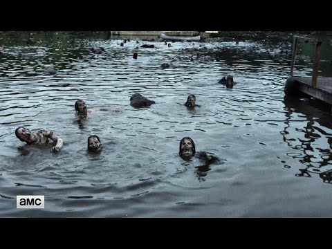 The Walking Dead 7.08 (Clip 'Zombie Pond')