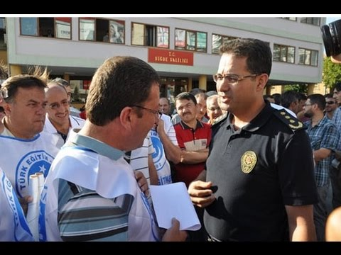 Türk Eğitim Sen ile Polis Valilik Önü  Tarışması