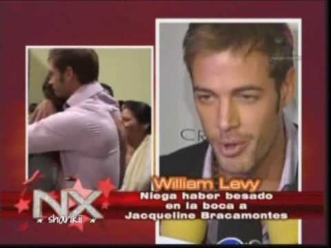 William Levy niega haber besado a Jackie