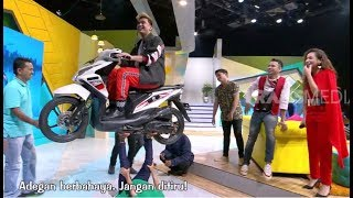 Video LUAR BIASA, Mak Uwes Angkat Motor Dengan Kaki | OKAY BOS (19/06/19) PART 4 MP3, 3GP, MP4, WEBM, AVI, FLV Juni 2019