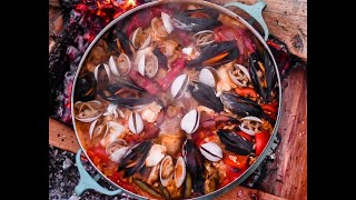 Video Catch and Cook AMAZING SEAFOOD PAELLA!! MP3, 3GP, MP4, WEBM, AVI, FLV Agustus 2019