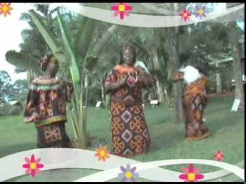 Female choristers of pc ntamulung, Bamenda(Bamilek