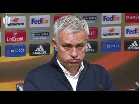Jose Mourinho: 'WE ARE IN TROUBLE' Burnley vs Manchester United FULL PRESS CONFERENCE (видео)