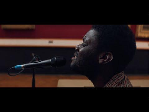 Michael Kiwanuka - Solid Ground (Live at the V&A)