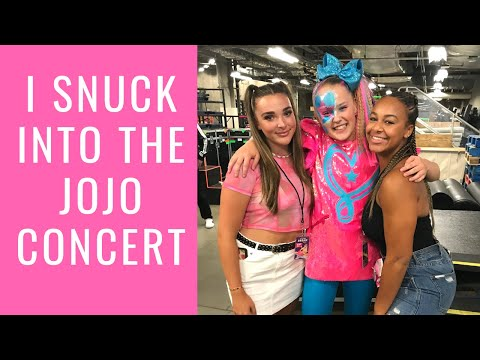 I Snuck into the JoJo concert | Nia Sioux
