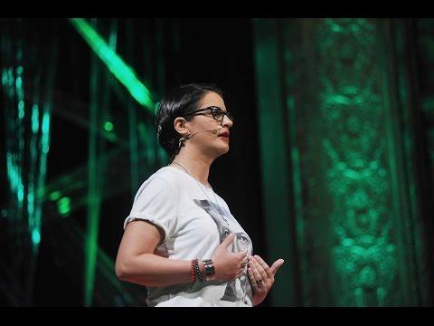 Visszaút a rák halálos ítéletéből | Éva Szentesi | TEDxDanubia 2016