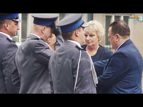 Święto policji w Suwałkach. Awanse, odznaki, nowe radiowozy
