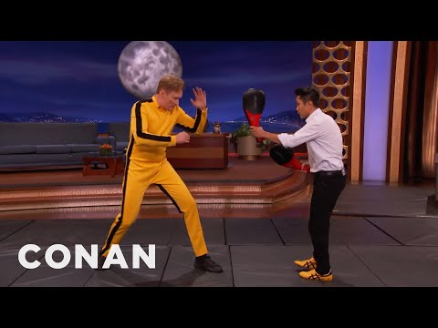 Conan O Brien Learns How to Fight Like Bruce Lee