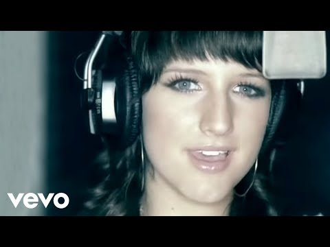 Ashlee Simpson – Pieces Of Me