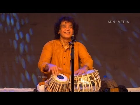 Video Zakir Hussain Tabla Best Performance Jugalbandi download in MP3, 3GP, MP4, WEBM, AVI, FLV January 2017
