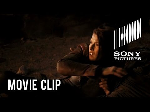 Resident Evil: The Final Chapter (Clip 'Run')