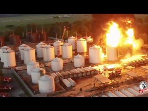 Ουκρανία: Υπό μερικό έλεγχο η πυρκαγιά στις αποθήκες καυσίμων-Πέντε νεκροί