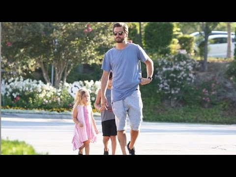 Scott Disick On Daddy Duty, Takes The Kids To Dinner!