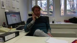 Oliver Kretschmann in der Schaltzentrale von 'Liebling Moyland'