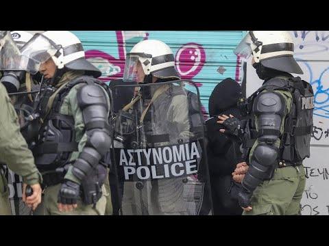 Ένταση στις πορείες μαθητών σε Αθήνα και Θεσσαλονίκη