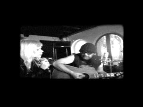 Papineau - Daniel Lanois featuring Laura Cole