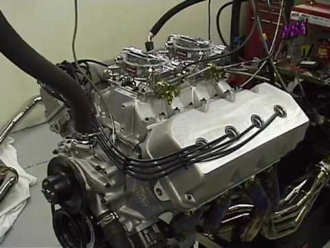572 cubic-inch Chrysler Hemi on the dyno