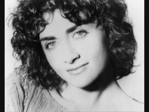 Sally Oldfield - The sun in my eyes lyrics