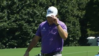 Phil Mickelson drops in a 94-footer at the TOUR Championship by PGA TOUR
